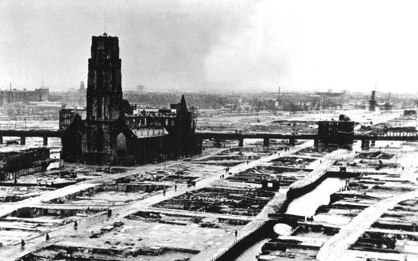 """3-روتردام ــ هولندا:  في الرابع عشر من مايو/أيار من عام 1940 قامت القوات الجوية الألمانية بإلقاء نحو 1300 قنبلة على مدينة """"روت"""