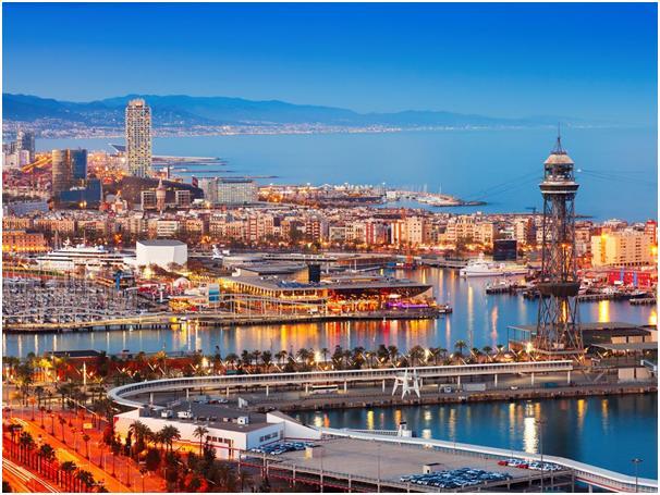 """يستمتع المسافرون إلى مدينة برشلونة الإسبانية بالهندسة المعمارية الرائعة التي تتميز بها، ومن بينها أعمال المعماري """"أنطوني غاودي"""