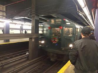 """بالصور.. مترو سري في مدينة """"نيويورك"""" وأسلوب خاص للتنقل به"""