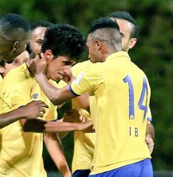 الجدل يعود في السعودية بسبب قصات شعر لاعبي نادي النصر (صور)