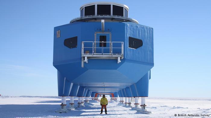 كيف يعمل الناس في القطب الجنوبي؟