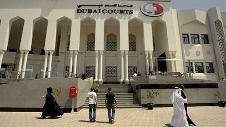 دبي: محاكمة سعودي وسوريين بعد إحباط تهريب 4 ملايين حبة مخدرة إلى المملكة