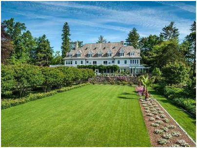 """كان هذا المنزل المعروف بـ""""مزرعة كوبر بيتش""""، أغلى منزل في أمريكا سابقًا، إذ بيع بمبلغ 120 مليون دولا، وقد بُني في ولاية """" كونيت"""