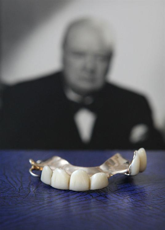 """أسنان """"ونستون تشرشل"""""""