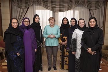 نائب وزير الاقتصاد: ميركل قدوة للسعوديات.. ولا يمكن العمل دون النساء