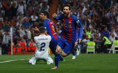 بالفيديو .. ميسي يحسم الكلاسيكو بالهدف رقم 500 ويجدد آمال برشلونة في الدوري