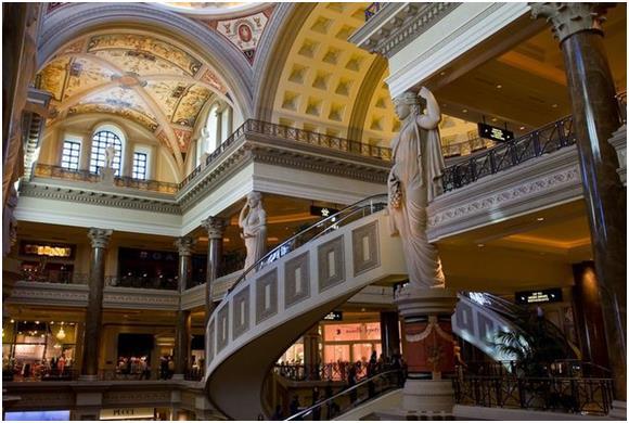 """ويحتل فندق """"سيزرز بالاس"""" (Ceasar's Palace) في مدينة """"لاس فيجاس""""، المركز الثالث بالقائمة، حيث يبلغ عدد زواره من الأثرياء 3400 ز"""