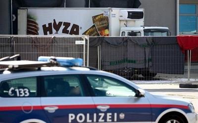 العثور على شاحنة لاجئين جديدة في النمسا