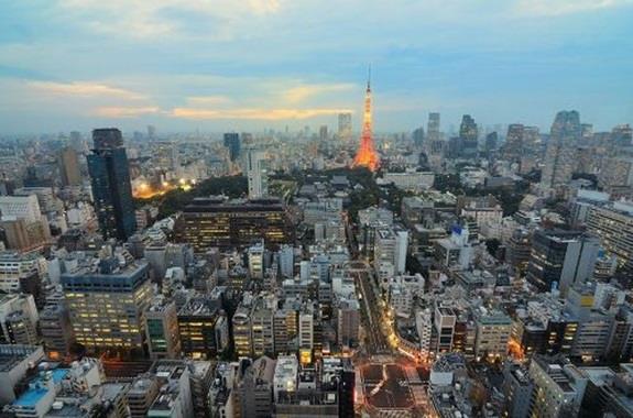 اليابان:- وهي نقطة التلاقي بين الشرق والغرب، حيث تقع شرق آسيا، بين المحيط الهادئ وبحر اليابان، وشرق شبه الجزيرة الكورية، كما ت