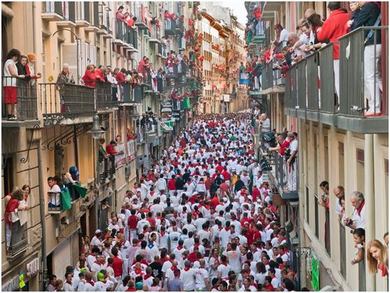 وأتت إسبانيا في المركز الثالث بأكثر من 60.7 مليون زائر سنويًا.