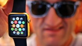 apple watch into a gold