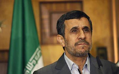 """نجاد الذي حظر """"تويتر"""" في إيران يفتح حسابا خاصا.. ومغردون متندرين: ما نوع """"البروكسي"""" الذي تستخدمه؟"""