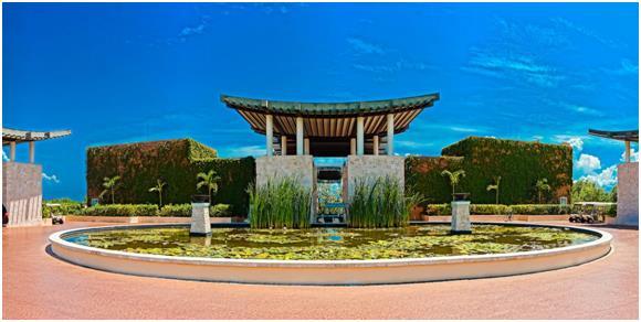 """فندق """"Banyan Tree Mayakoba """":- ويقع في منتجع """"ريفييرا مايا"""" في المكسيك، ويتميز بالطبيعة الساحرة، حيث يمكن للنزلاء الاستمتاع بإ"""