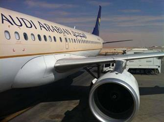 الخطوط السعودية تفتح تحقيق حول تأخر اقلاع رحلة جدة الرياض وتعتذر للمسافرين