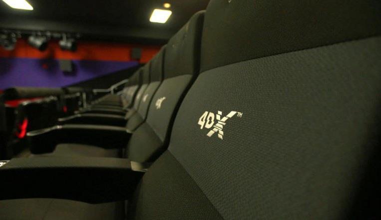 """مياه وثلوج ومقاعد متحركة.. مرحباً بكم في سينما """"4DX"""""""