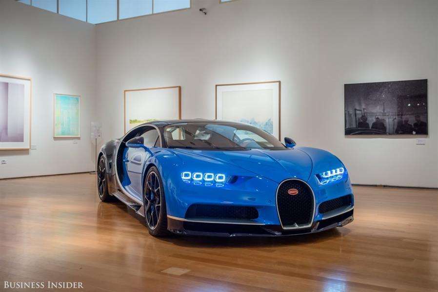 """بالصور.. تعرف على إمكانات السيارة الرائعة """"بوجاتي شيرون"""" 2016"""