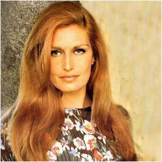 """المطربة الإيطالية من اصول مصرية """"يولاندا جيليوتي"""" الشهيرة بـ""""داليدا""""، والتي أنهت حياتها أيضًا بسبب الاكتئاب، عن عمرِ يناهز 54"""