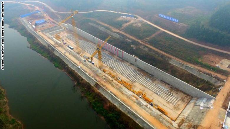 وسيكون المشروع الذي سيكلف ملايين الدولارات نسخة طبق الأصل عن سفينة التايتانيك الأصلية،