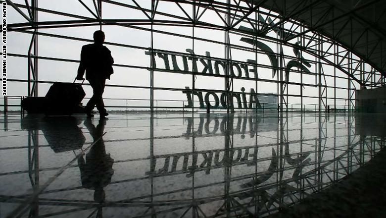10. مطار فرانكفورت في ألمانيا
