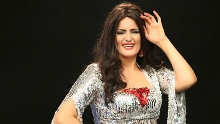 راقصة مصرية تعلن عزمها تقديم برنامج ديني في رمضان