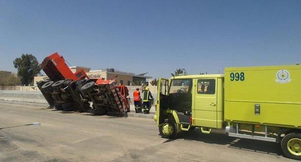 سقوط رافعة «تدانو» تتسبب في إصابة عامل بالطائف