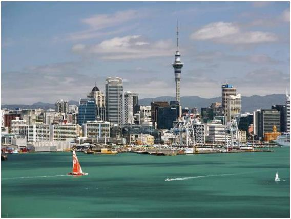 مدينة أوكلاند في نيوزيلاندا، وتبلغ تكلفة الفرد في المتوسط خلال يوم: 103,16 دولار.