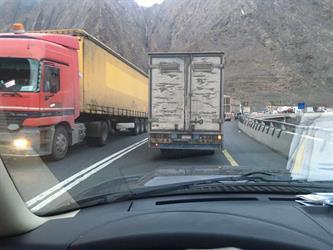 مرور عسير: عطل شاحنة يوقف السير بعقبة شعار