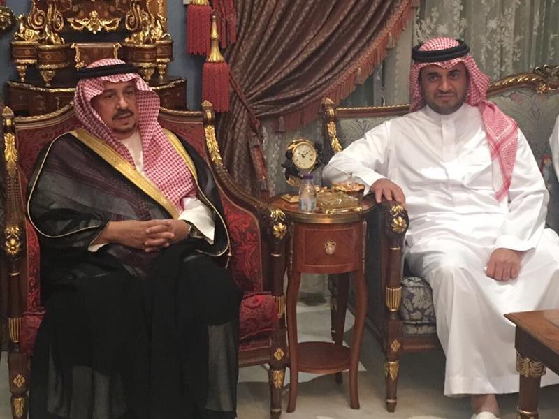 أمير الرياض يزور خالد البلطان لتقديم واجب العزاء في وفاة شقيقه (صور)