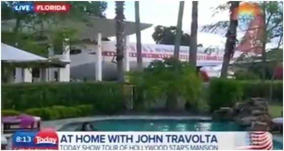 """""""ترافولتا"""" هو السفير المتجول لشركة خطوط طيران """"كانتاس"""" الأسترالية، منذ عام 2002, لذا فهو يحتفظ بإحدى طائراتها من طراز""""بوينج 70"""