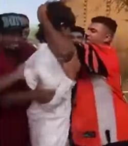 فيديو جديد يظهر اعتداء مخربي استراحة الأحساء على أحد الأشخاص.. ومصدر يحدد هويته