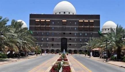 أمانة المدينة تحسم من مرتبات 576 من موظفيها بسبب عدم التزامهم بالبصمات الخمس