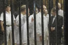 تأجيل محاكمة مرسي في قضية الاتحادية الى يوم الخميس