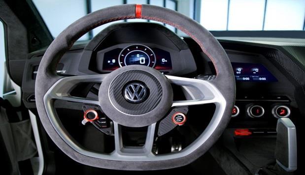 """أما الصالون الداخل للسيارة """"فولكس فاجن جولف Design Vision GT""""، فيأتي مزوداً بلوحة قيادة مصنوعة من الكربون فايبر, موجهة نحو الس"""