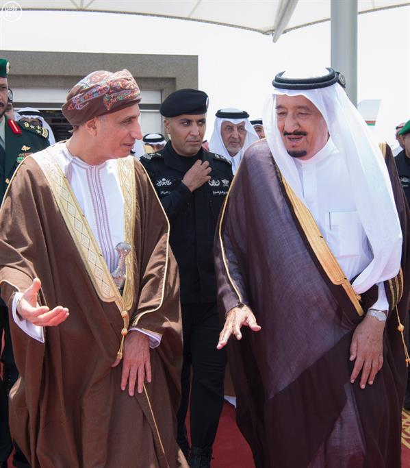 خادم الحرمين يستقبل قادة وؤساء دول مجلس التعاون بجدة