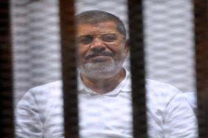 النيابة المصرية تتهم مرسي بتنظيم اعتصام رابعة أثناء سجنه