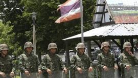 الجيش يسيطر على مقاليد الحكم في تايلاند