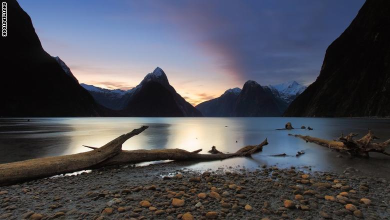 """""""ميلفورد ساوند""""، حديقة """"فيوردلاند"""" الوطنية، نيوزلندا"""