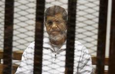 إحالة مرسي لأول مرة إلى محكمة عسكرية