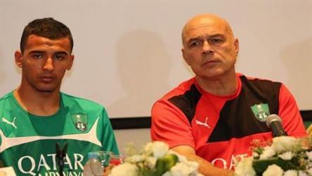 نابولي الإيطالي يفاوض لاعب الأهلي المبعد