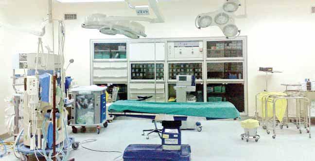 فريق طبي من مستشفى وادي الدواسر ينجح في إنقاذ ثلاثيني تعرض لكسور ونزيف حاد بالمخ