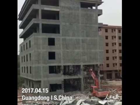 لحظة انهيار مبنى تحت الإنشاء في الصين