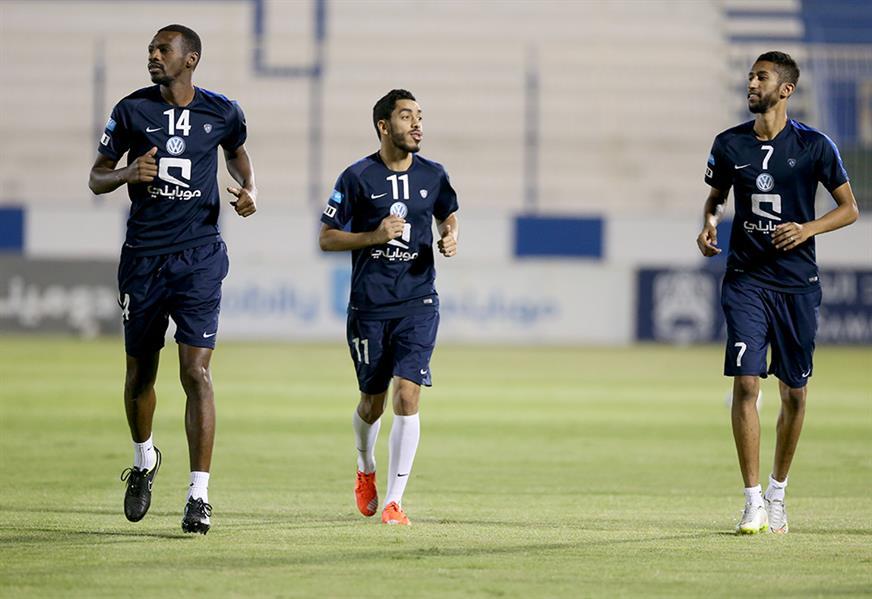 بالصور .. لاعبو الهلال يواصلون التحضير لمواجهة الأهلي الإماراتي
