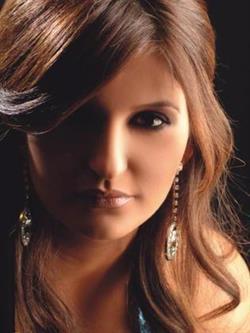"""سرقة مجوهرات بقيمة مليون دولار من الفنانة """"شذى حسون"""" أثناء إجازتها باليونان (فيديو)"""