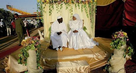 هيئة علماء السودان تدعو إلى تعدد الزوجات