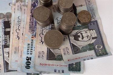 استقصاء للعام الماضي: السعودية الأقل في زيادة رواتب الوافدين وهذه أعلى 10 رواتب فيها