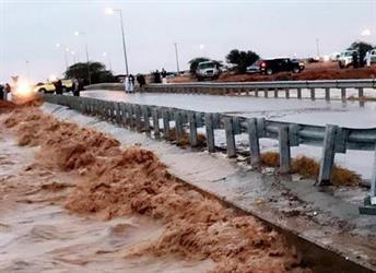 مقطع فيديو يوثق إغلاق كوبري رماح بسبب ارتفاع منسوب مياه الأمطار