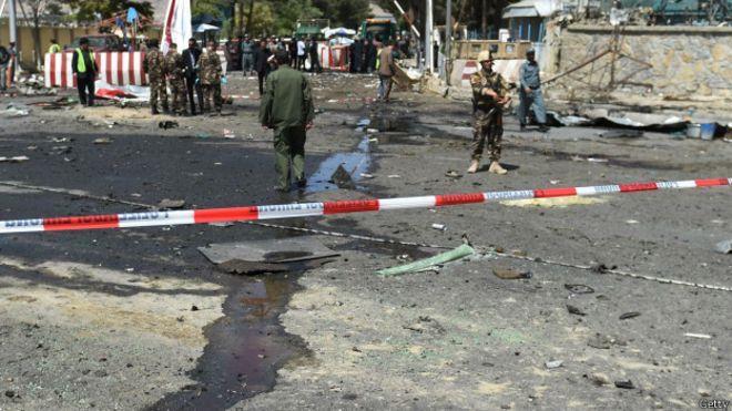 4- تبنت حركة طالبان الأفغانية في ديسمبر 2015 انفجار سيارة مفخخة بالقرب من بوابة تستخدمها قوات حلف شمال الأطلسي في الجزء الشما