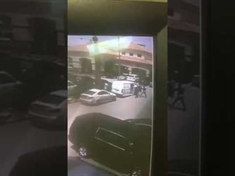 مقطع فيديو يُوثق لحظة السطو على سيارة نقل الأموال بالرياض