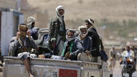 """إقرأ كيف حرف الحوثيون المناهج الدينية.. اختلقوا أحاديث عن الرسول وحذفوا """"عمر"""" و""""صلاح الدين"""""""