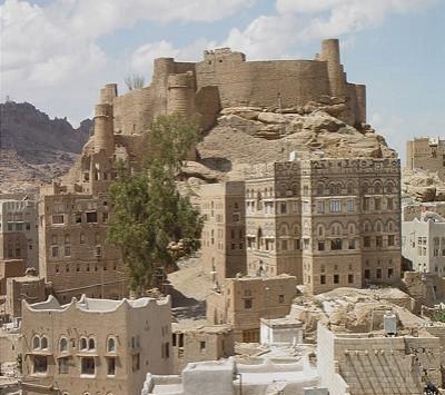 انهيار أكبر قلعة تاريخية اليمن b1b26edb-7d78-402a-8eaf-e91990e03feb.jpg